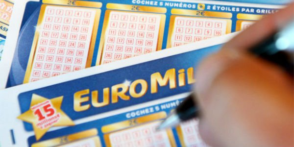 UK EuroMillions Jackpot Winning Player Bagged over £50M online lotto internet lottery