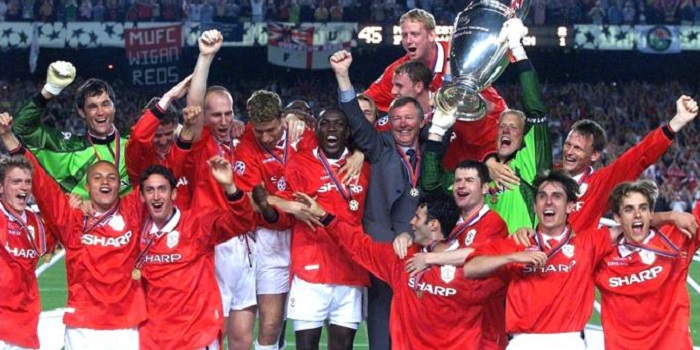 Manchaster United celebrate winning Champions League 1999 in Barcelona against Bayern