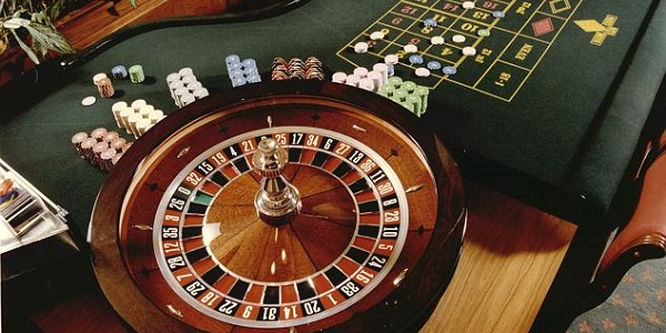 Roulette wheel with chips