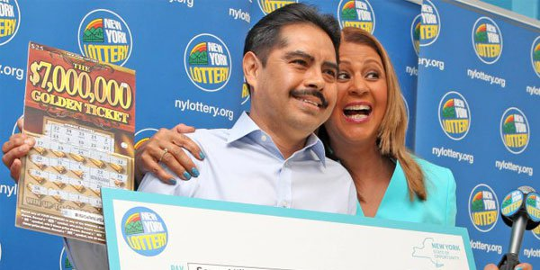 $7 Million Dollar Lottery Winner Doesn't Want to Quit His Job play lotto in the US lotto jackpot
