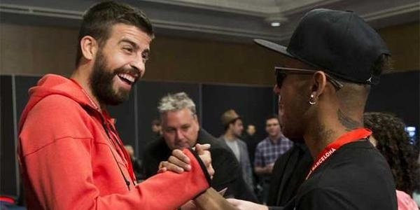 Neymar and Pique play poker together at PokerStars EPT