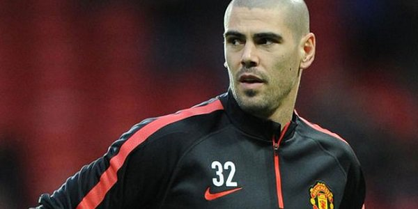 Valdes Left out from Manchester United Travelling Squad