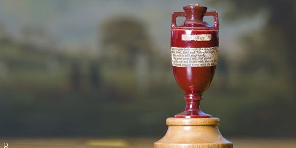 England Defeated Australia on the Second Day of Ashes 2015