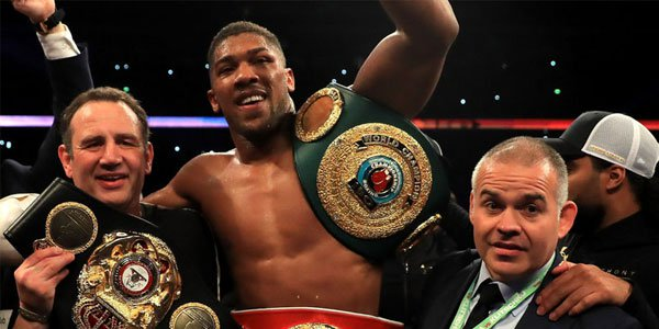 Here are 3 of the Biggest Boxing Fights in 2017 You Can Bet on Right Now