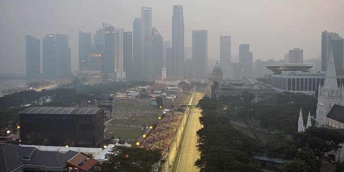 Finnish racing drivers will drive in smog in Singapore