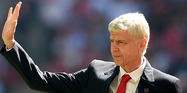 Arsene Wenger Waves Goodbye