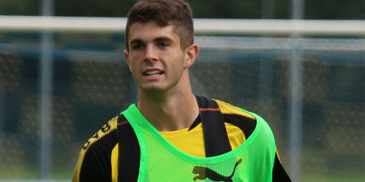 Chelsea signs Pulisic