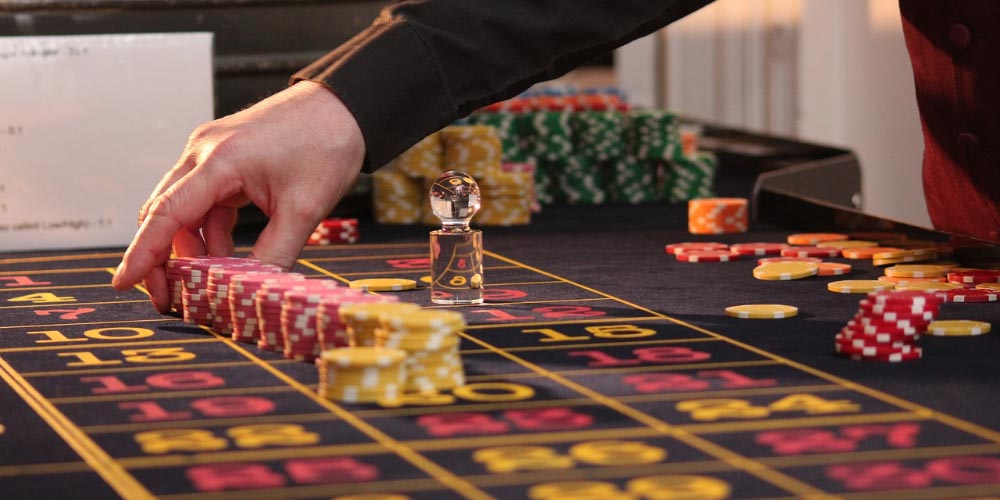 casino tricks you didnt know, can casinos stop you for winnning, are casinos rigged, do casinos cheat, do casinos manipulate slot machines, best casino secrets, weird casino secrets, surprising casino tricks, casinos dont eypect you to do this but they cant stop you, casinos hate when you do this, why do casinos want you to use players card, casinos hate you doing this,casinos hate when you know this,