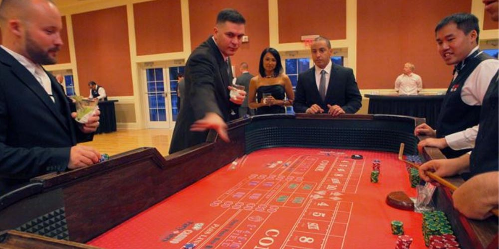 How to play Craps, basic rules of craps, craps rules, play craps online, craps winning strategies, how to win money, craps for beginners, craps gaming strategies, online casinos, online casino sites, gaming zion, gamingzion.com