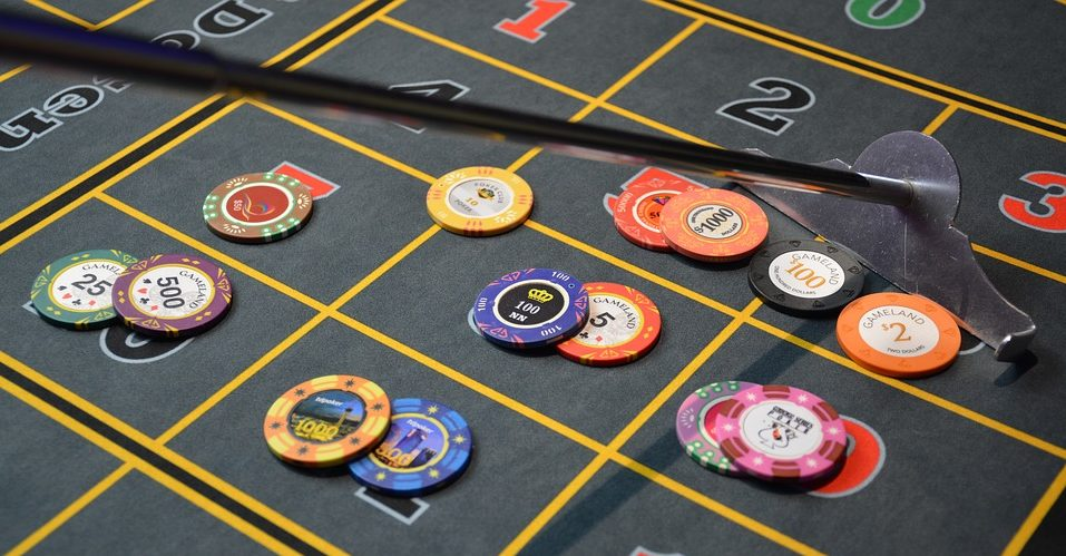 GamingZion.com, internet gambling, number of chips, online gambling, online gaming site, online poker, play poker online, poker chips, standard number of chips, tournament chips, World Poker Championships, what are poker chips?