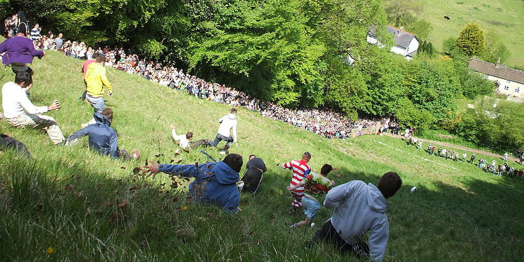 Gloucestershire Cheese Rolling, cheese rolling, Gloucestershire, Gloucestershire Cheese rolling festival 2020, online betting, gambling news, gamingzion.com
