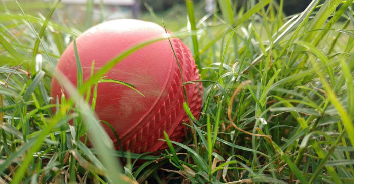Ball Tampering in Cricket, gamingzion.com,cheating in cricket,bowlers cheating,online betting,online gambling
