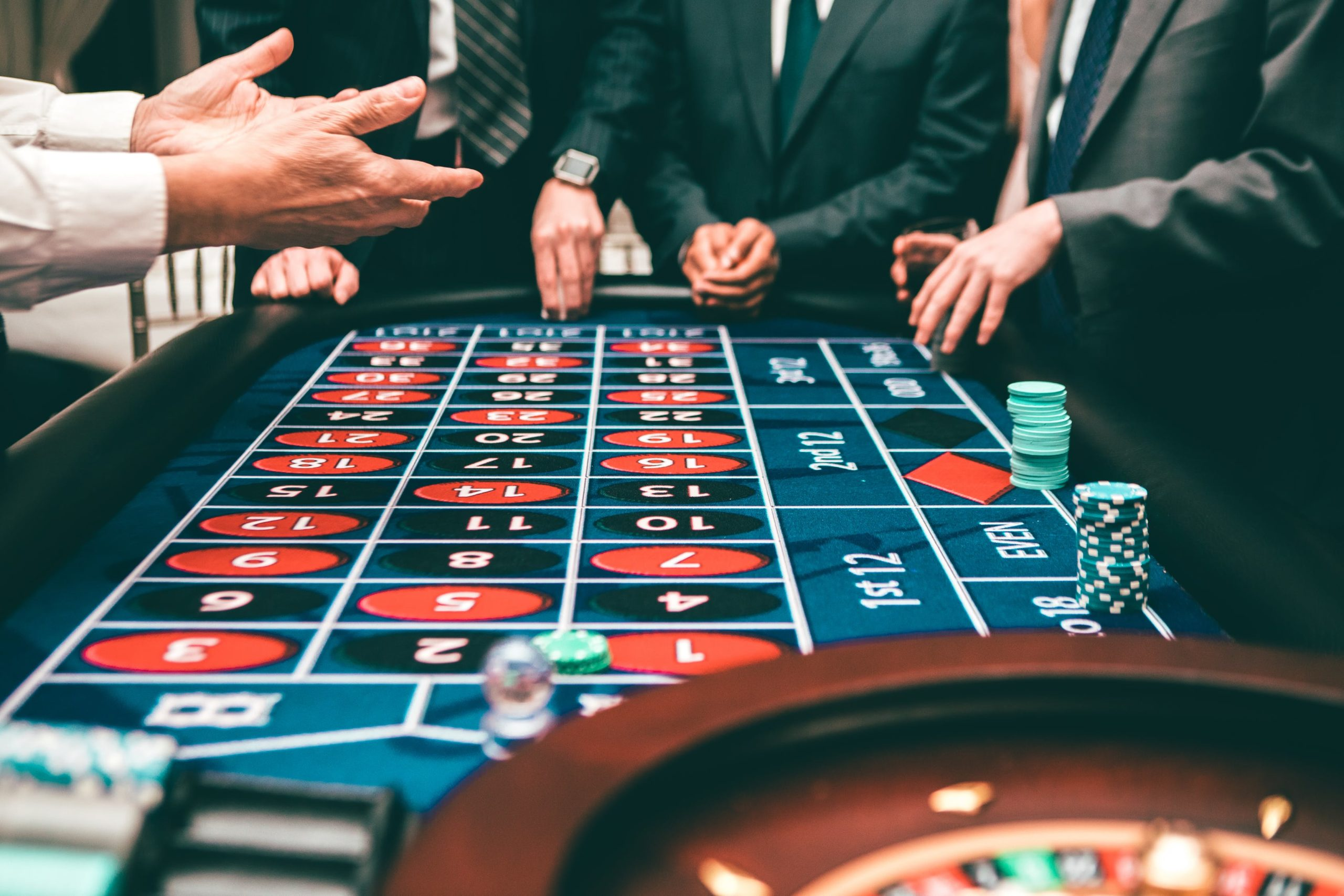 how to behave in a casino, weird bets, betting odds, betting predictions, betting tips, online gambling sites in the us, gamingzion, intertops, online casino, online poker, online slots, casino etiquette, how to act in the casino, casino tips, casino, las vegas,