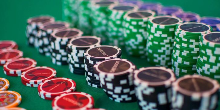 online gaming site, online poker, play poker online, poker chips, standard number of chips, tournament chips, World Poker Championships, what are poker chips?