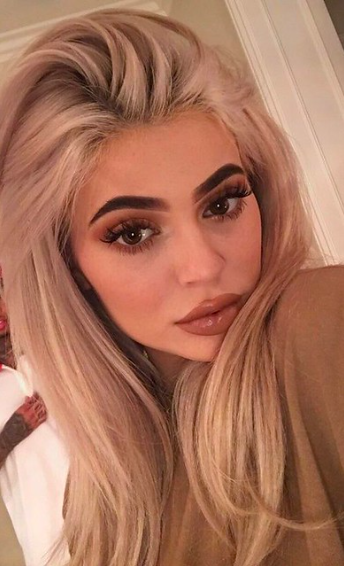 22BET Sporstbook, Bet on Kylie, betting odds, betting predictions, betting tips, GamingZion, Instagram, Jenner, Kardashian, online gambling sites in the US, sportsbooks, weird bets, kylie jenner betting odds, kardashian betting odds, bet on kylie jenner