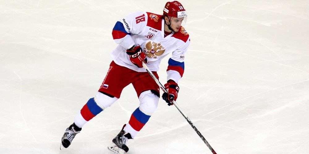 Maxim Mamin playing one of the most popular sports in Russia: ice hockey