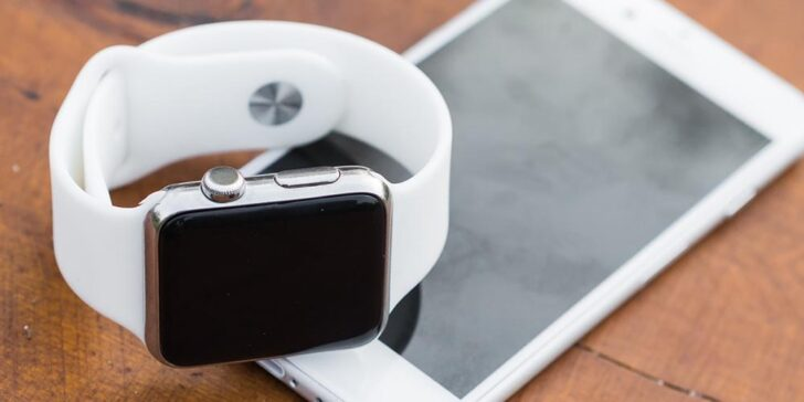 Apple Watch slots to play