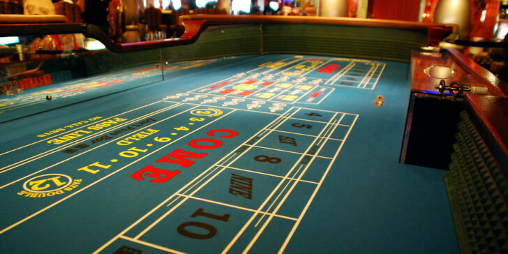 advantages of playing craps online