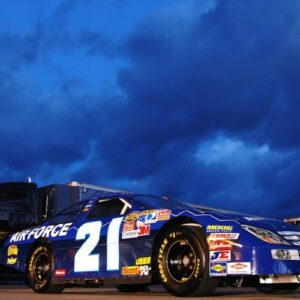 NASCAR South Point 400 Predictions Favor Larson for the Victory